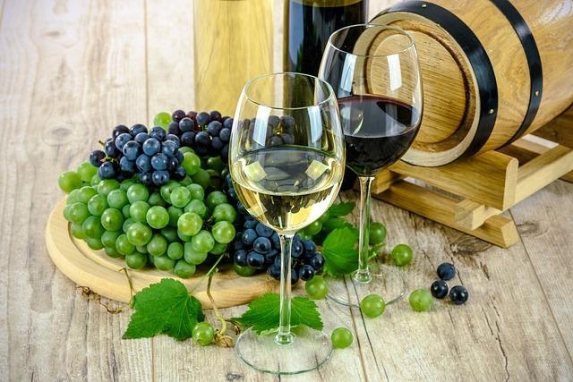 ブドウとワイン-山梨県の歯のホワイトニングは専門歯科、歯医者で