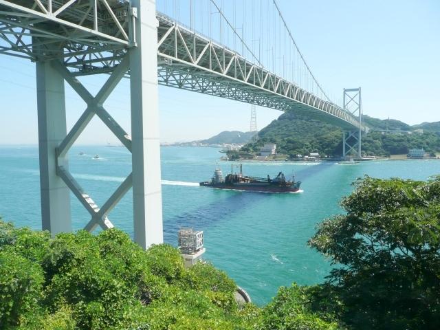 関門海峡-山口県の歯のホワイトニングは専門歯科、歯医者で